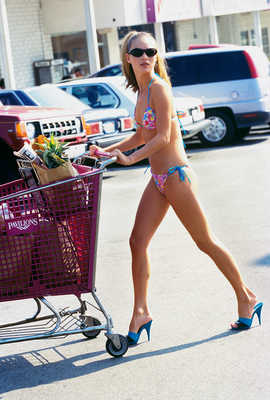 Kate Shopping by Arthur Elgort