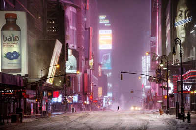 Man in times square von Christophe Jacrot
