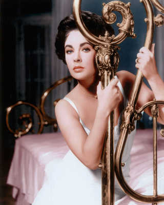 Maggie (Elizabeth Taylor) by Richard Brooks