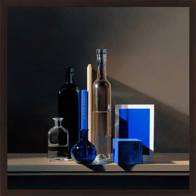 Still life with Yves Klein Blue von Guy Diehl