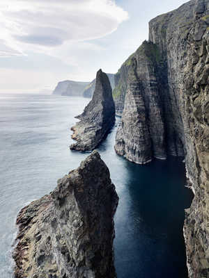 Sea stacks #1, Faroe Islands von Jonathan Andrew