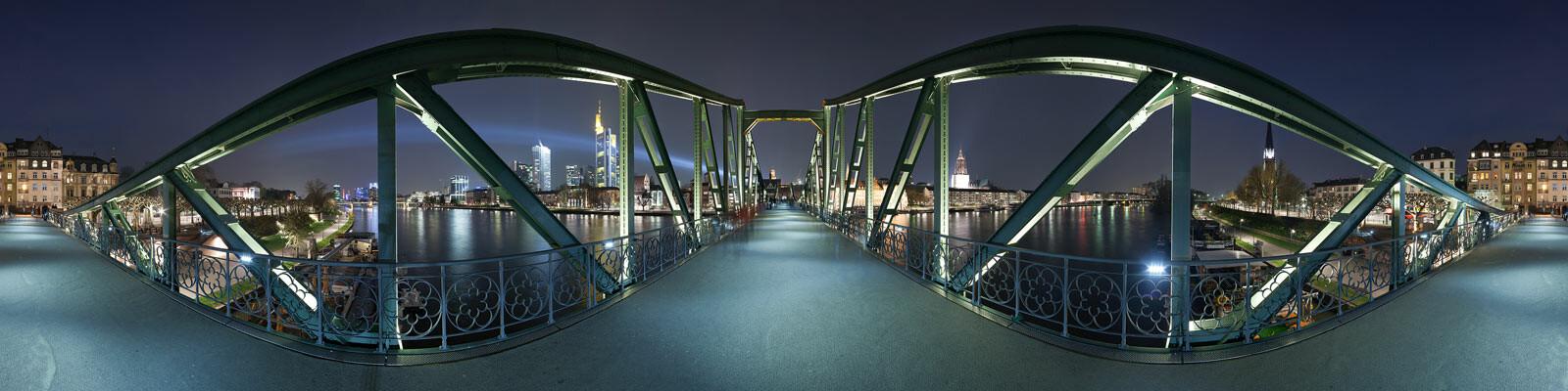 Frankfurt, Eiserner Steg - Josh Von Staudach