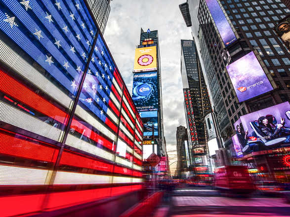 Stars and Stripes at Times Square - Johannes Weinsheimer