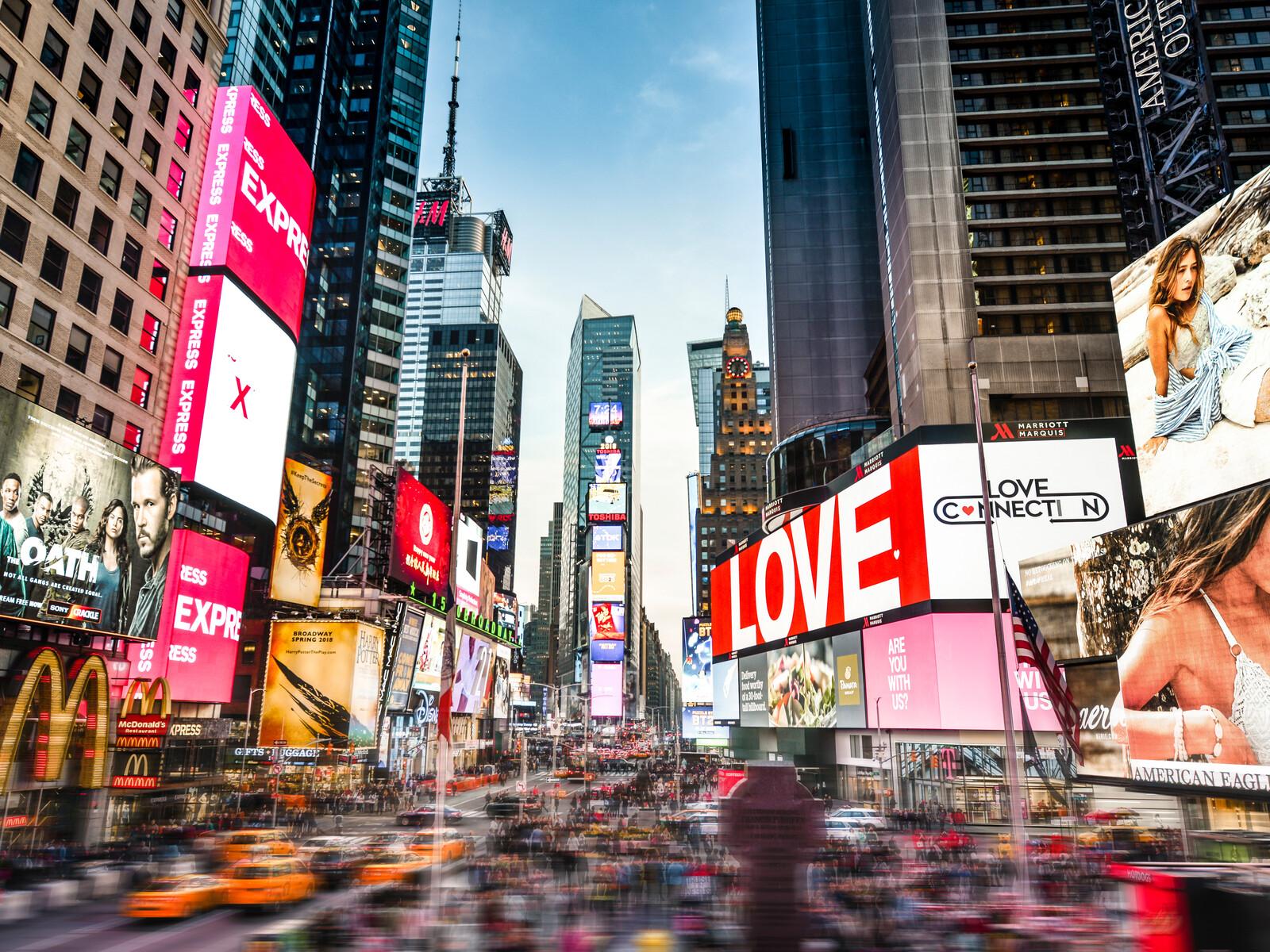 Love at Times Square - Johannes Weinsheimer
