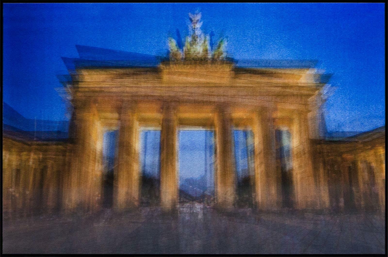 Brandenburger Gate, Day and Night - Pep Ventosa