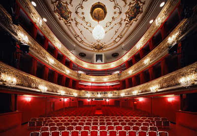 Theater in der Josefstadt Wien by Rafael Neff