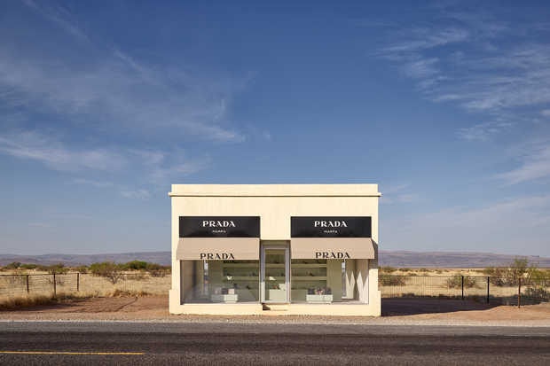 Prada Marfa 8:55AM - Adam Mørk
