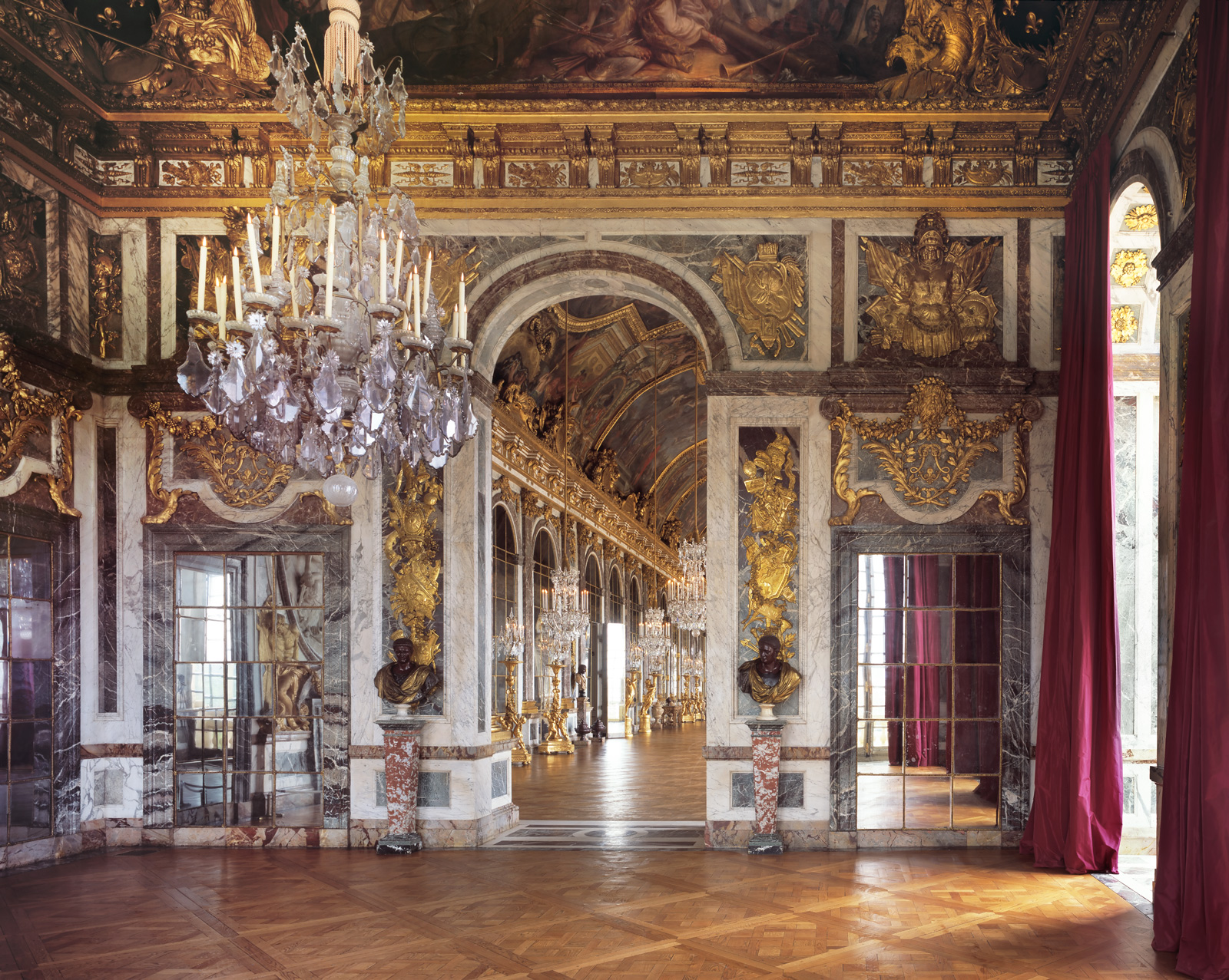 Ch teau de versailles salon de la guerre reinhard for Photo salon