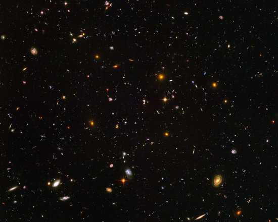 Galaxies galore (NASA/JPL - Caltech) - Hubble Telescope