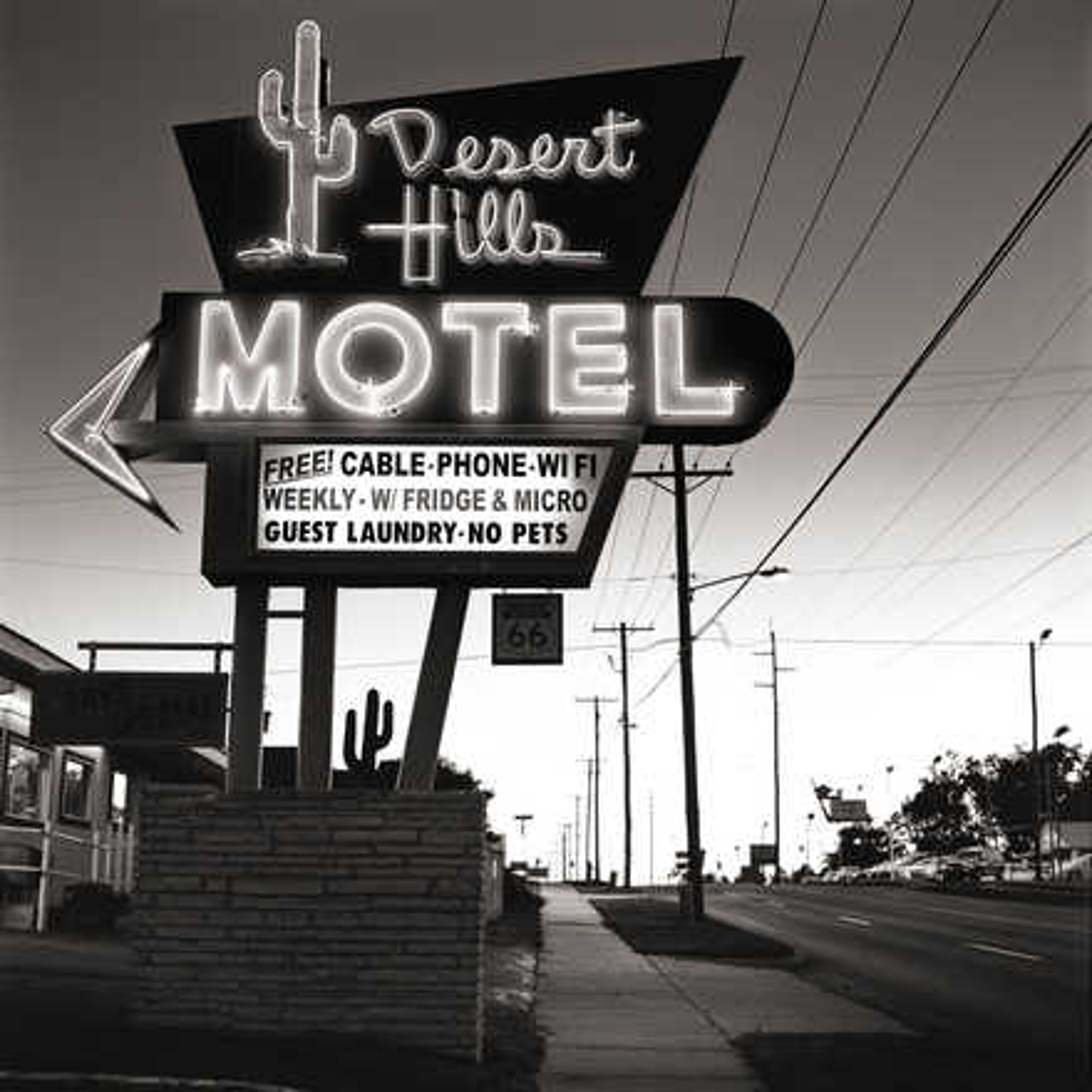 Desert Hills Motel - Shannon Richardson